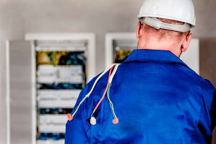 commercial electrician business brighton